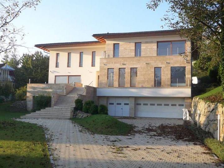 Rókahegy eladó ház